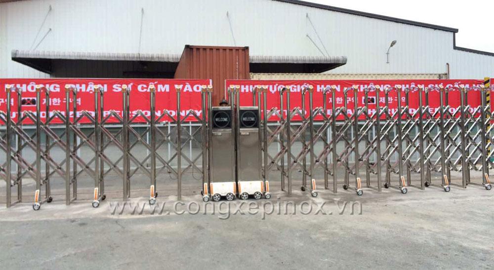 Mẫu cửa cổng xếp inox 082 chất lượng cao