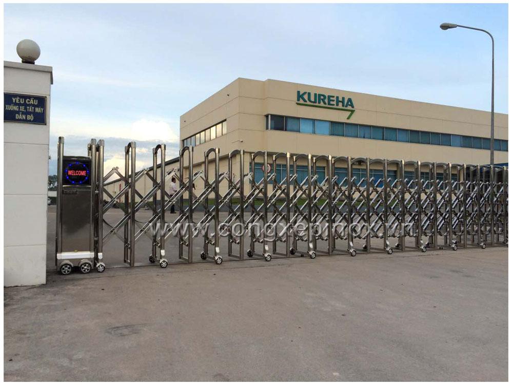 Mẫu cửa cổng xếp inox tại KUREHA