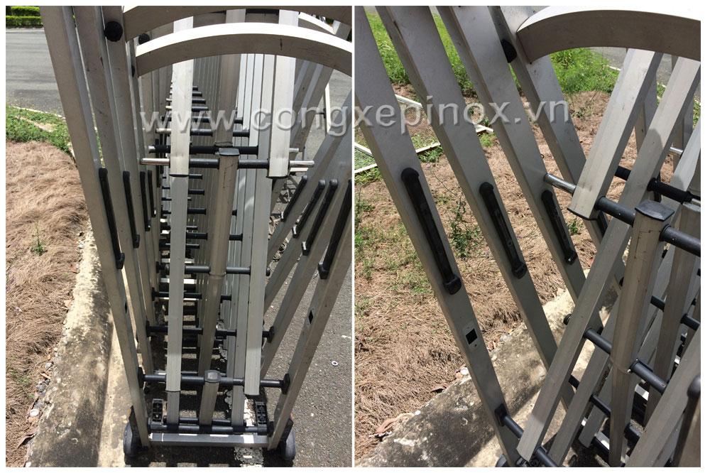 thay thế sửa chữa cửa cổng xếp inox bị hư