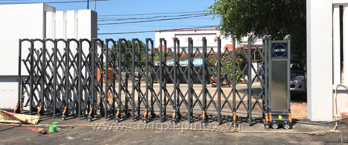Mẫu cửa cổng xếp inox tại Vũng Tàu