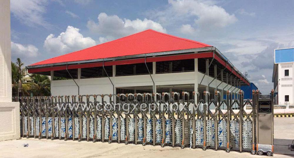 Mẫu cửa cổng xếp inox tại Nhơn Trạch