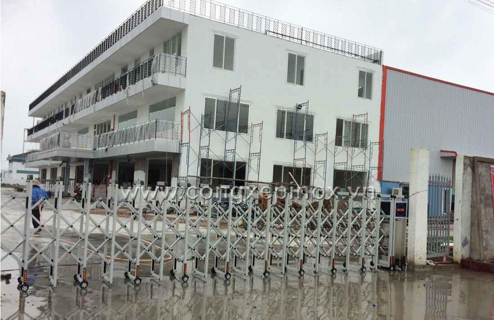 Motor cửa cổng xếp tự động của cổng xếp hợp kim nhôm ở Thuận Đạo - Long An