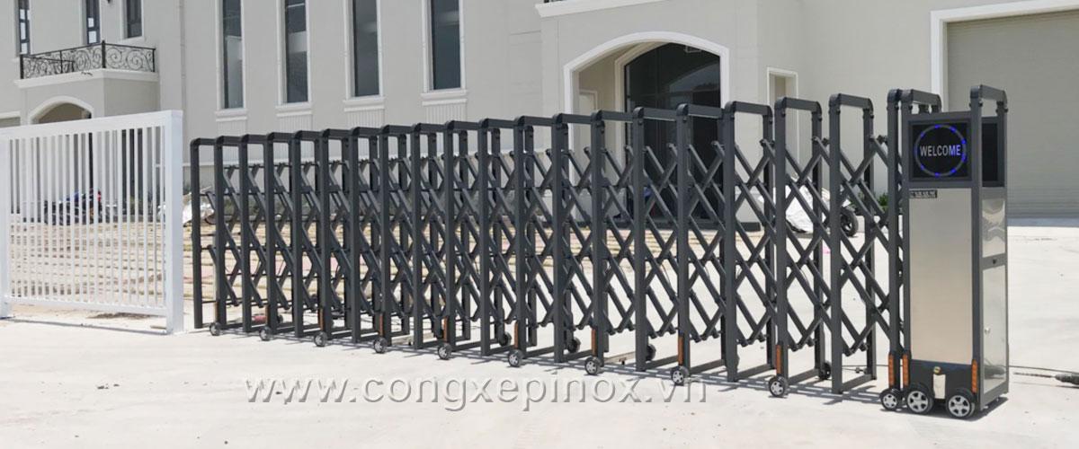 Mẫu cửa cổng xếp inox tại quận 9
