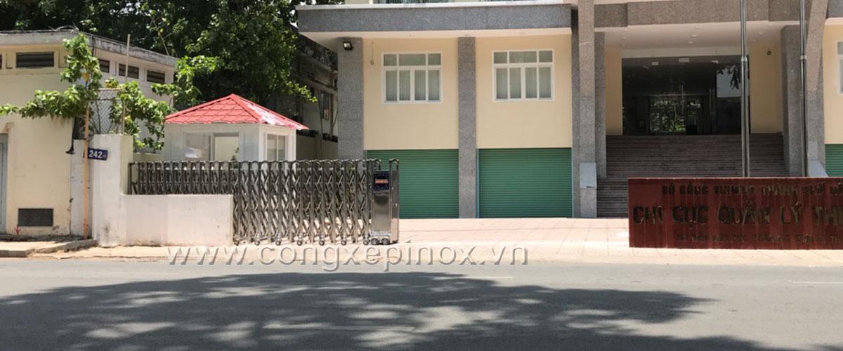 Mẫu cửa cổng xếp inox tại quận Bình Thạnh