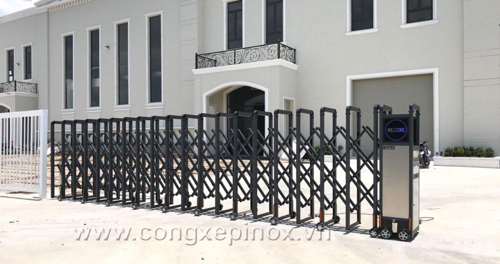 Mẫu cửa cổng xếp tại khu công nghiệp quận 9