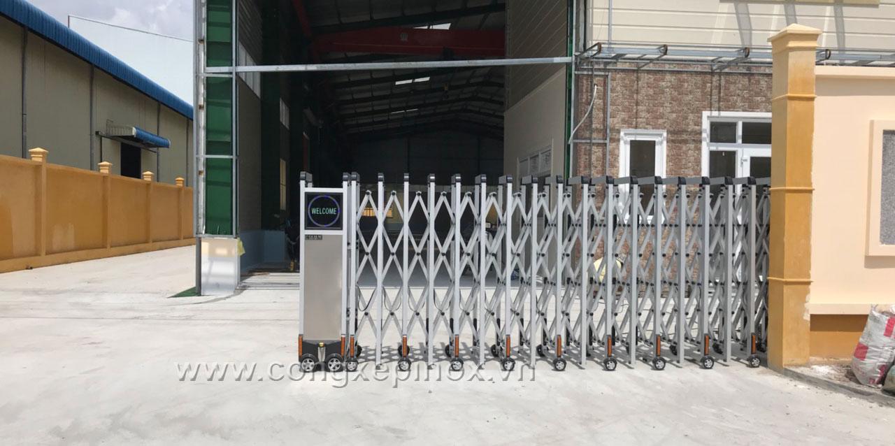 Hoạt động của cổng xếp inox lắp tại KCN Phúc Long - Long An