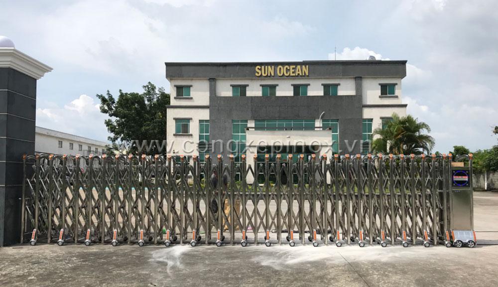 Hoạt động của cửa cổng xếp inox lắp tại công trình Sun Ocean