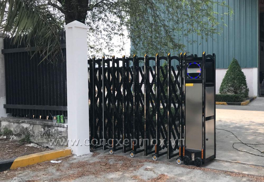 Vân hành của Cửa cổng xếp hợp kim nhôm khu công nghiệp Tân Tạo